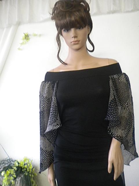 Елегантна дамска блуза от вискоза и коприна ,комбинация между черно и бяло