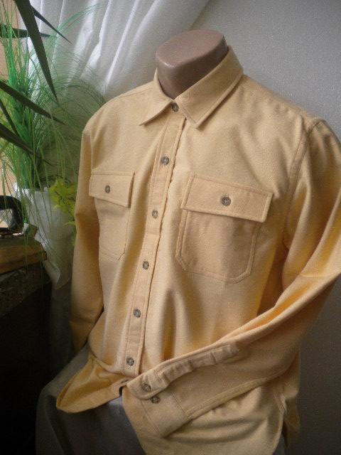 Спортно елегантна мъжка риза от 100%памук -бархет в жълт цвят с кафяви копчета