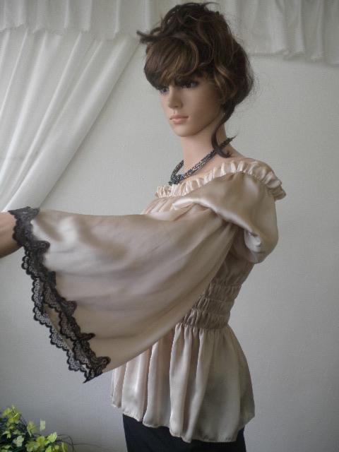 стилна и елегантна дамска блуза от коприна с дантела