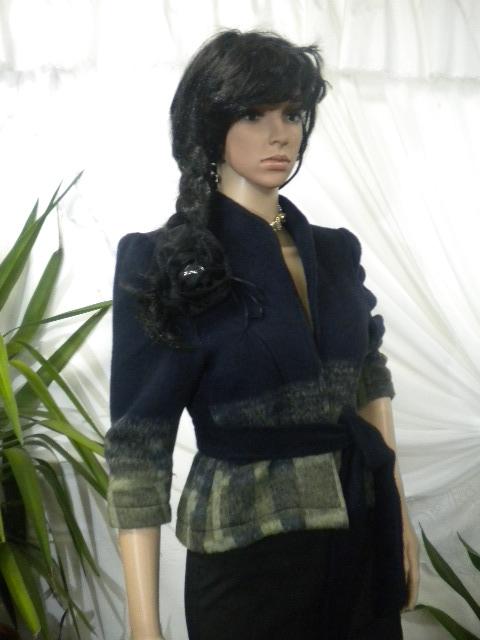 Елегантно дамско късо палтенце - болеро от кашмир с хастар