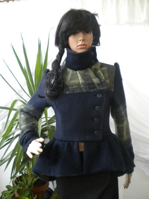Уникат - нестандартно и красиво дамско палто с закопчаване на една страна