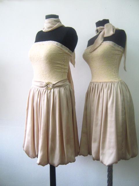 Елегантна бежова рокля от естествена коприна и дантела