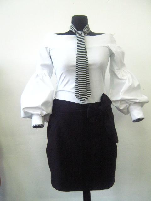 Елегантен черно бял костюм с вратовръзка