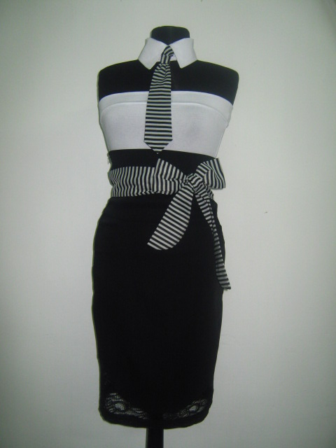 Красив и стилен  черно бял костюм от четири части