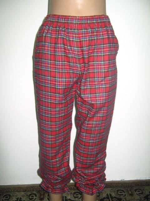 панталонки -пижама от бархет каре в червено