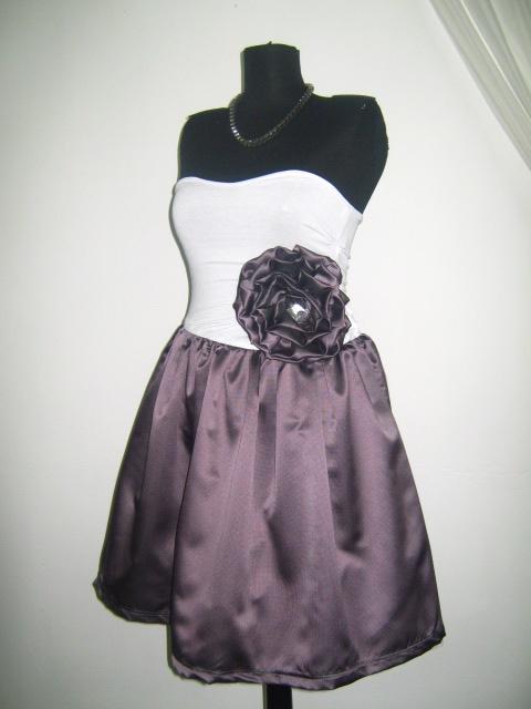 Елегантна парти рокля в бордо и бяло  с цвете