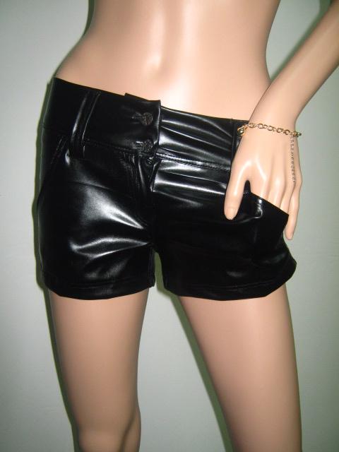 Къси кожени панталони